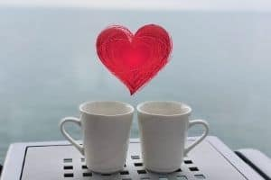 2 cups with heart on top
